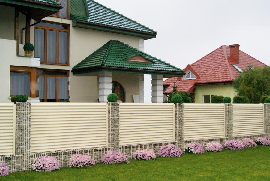 имеет забор для фасада дома фото поэтому часто